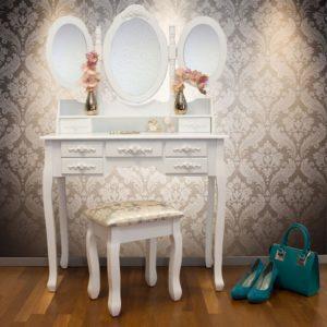 Toaletnímu stolku ve stylu vintage