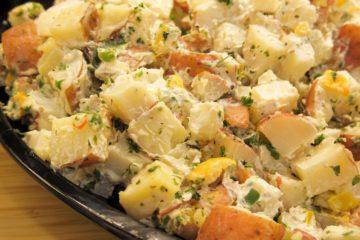 Bramborový salát s mozzarellou