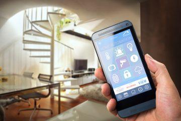 Jak vybrat mobilní telefon? Pro mladé dotykový, starší generace ocení více tlačítkový