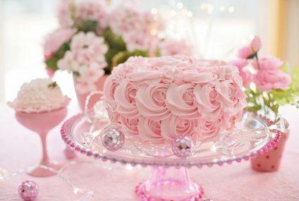 Triky na rychlé a snadné zdobení dortu