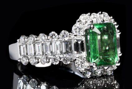 Smaragdové šperky: Poznejte luxus tohoto zeleného kamene