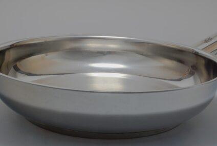 Pánev z nerezové oceli: Jak ji vyčistit, aby vypadala stále jako nové?